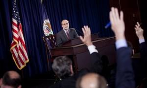Ben-Bernanke-gives-press--007